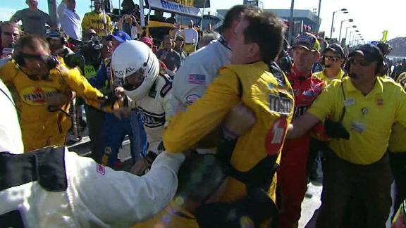 dm_170312_NASCAR_One-Play_Kyle_Busch_fight.jpg