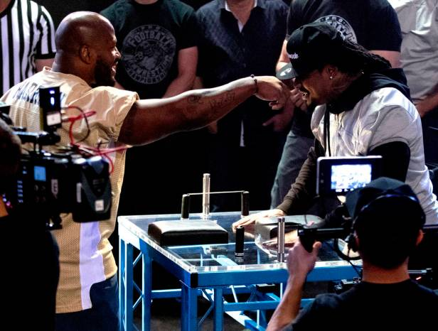 8336486_web1_wildart-armwrestlinghf_040817_008